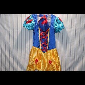 Snow white costme